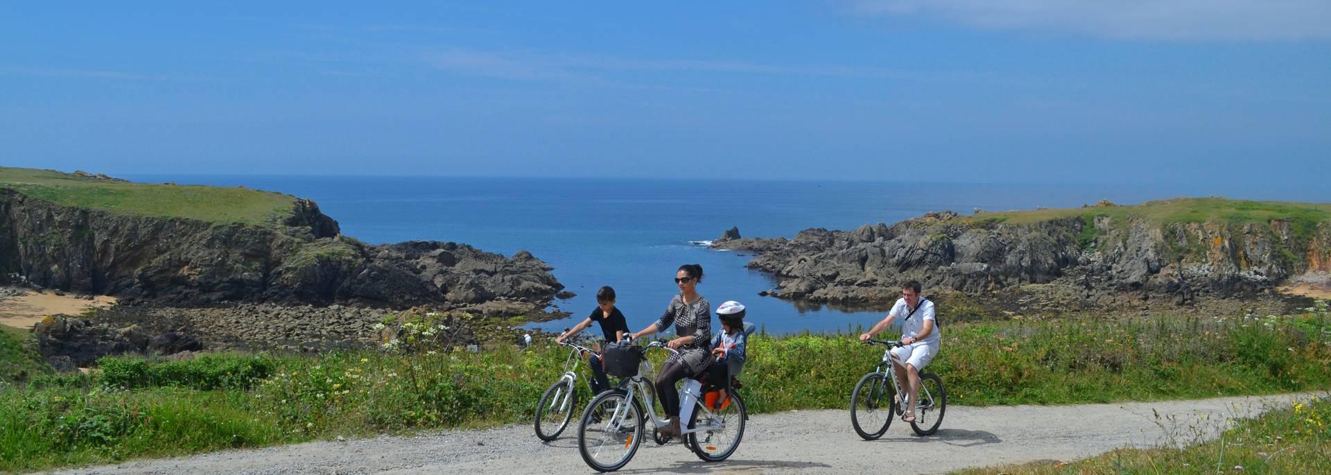 Radwanderung an der Felsenküste, Ile d'Yeu