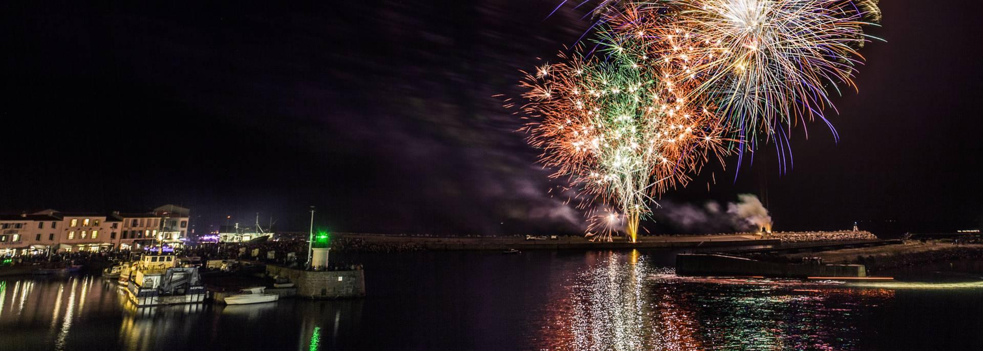 Feuerwerk in Port-Joinville, Ile d'Yeu