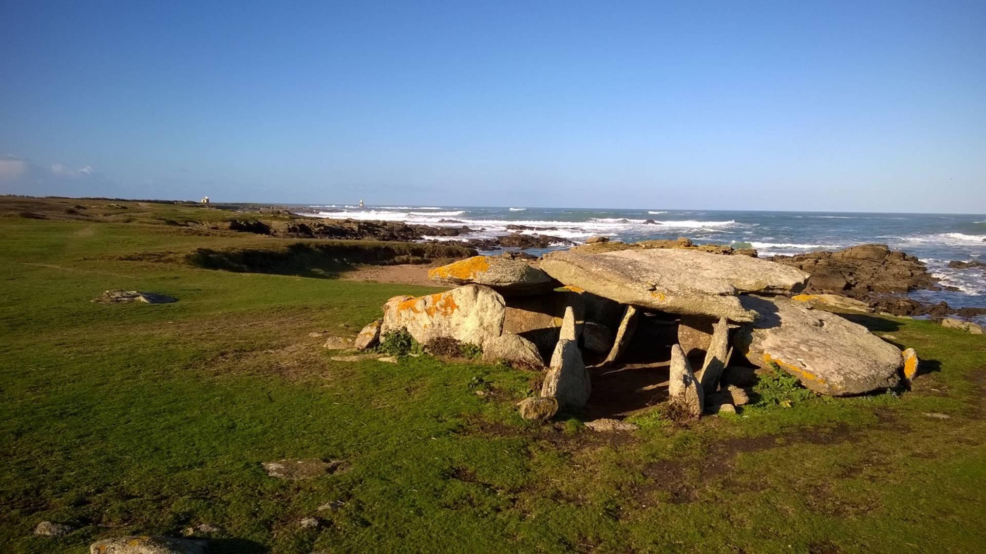 Dolmen de la Planche à Puare – Ile d'Yeu
