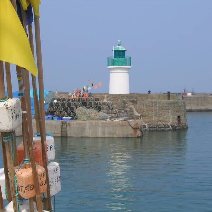 Der Leuchtturm am Quai du Canada, Port-Joinville, Ile d'Yeu